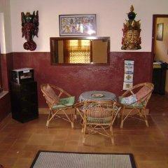Отель Laxmi's Bed And Breakfast Непал, Катманду - отзывы, цены и фото номеров - забронировать отель Laxmi's Bed And Breakfast онлайн интерьер отеля