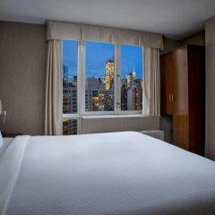 Отель DoubleTree by Hilton New York Downtown 4* Стандартный номер с различными типами кроватей фото 10