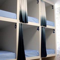 Хостел Friday Кровать в мужском общем номере с двухъярусными кроватями фото 13