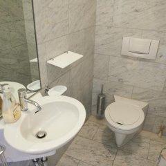 Отель Viennaflat Apartments - 1010 Австрия, Вена - отзывы, цены и фото номеров - забронировать отель Viennaflat Apartments - 1010 онлайн ванная фото 2