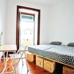 Liv'in Lisbon Hostel Стандартный номер с двуспальной кроватью (общая ванная комната) фото 9