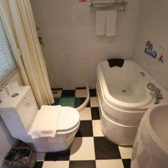 Отель Xiamen Gulangyu Yue Qing Guang Hotel Китай, Сямынь - отзывы, цены и фото номеров - забронировать отель Xiamen Gulangyu Yue Qing Guang Hotel онлайн ванная