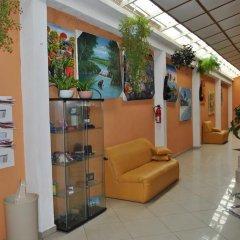 Отель Gusto Tropical Hotel Доминикана, Бока Чика - отзывы, цены и фото номеров - забронировать отель Gusto Tropical Hotel онлайн интерьер отеля