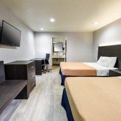 Отель Hollywood Inn Express LAX 2* Стандартный номер с 2 отдельными кроватями фото 2