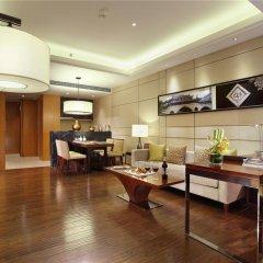 Отель Crowne Plaza Chengdu West Улучшенный номер с различными типами кроватей фото 5