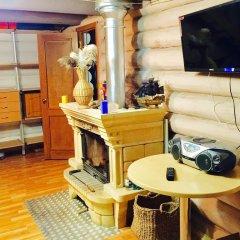 Гостиница Otdyh U Ozera в Изборске отзывы, цены и фото номеров - забронировать гостиницу Otdyh U Ozera онлайн Изборск интерьер отеля