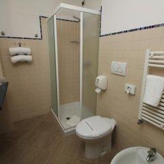 Hotel Urbani 3* Стандартный номер с различными типами кроватей фото 6