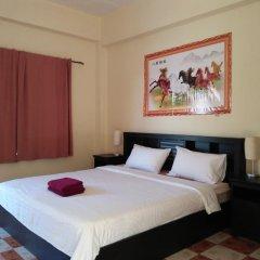 Patong Peace Hostel комната для гостей