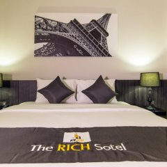 Отель The Rich Sotel 3* Номер Делюкс с различными типами кроватей фото 5