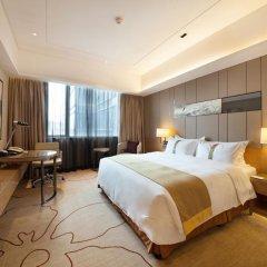 Отель Holiday Inn Chengdu Oriental Plaza 4* Улучшенный номер с различными типами кроватей фото 6