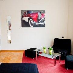 Отель B Movie Guest Rooms 2* Стандартный номер с различными типами кроватей фото 2