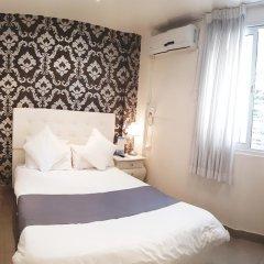 Отель Central 2* Номер категории Эконом с двуспальной кроватью фото 5