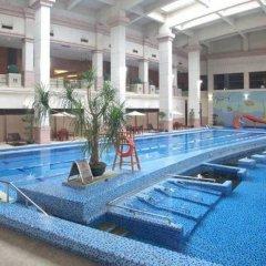 Отель Tongli Lakeview Hotel Китай, Сучжоу - отзывы, цены и фото номеров - забронировать отель Tongli Lakeview Hotel онлайн бассейн фото 3