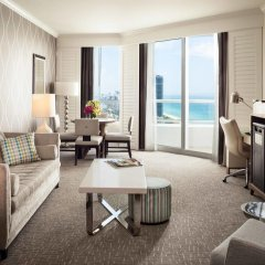 Отель Fontainebleau Miami Beach 4* Люкс с двуспальной кроватью фото 6