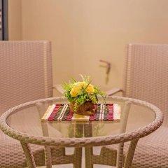 Отель At The Tree Condominium Phuket удобства в номере