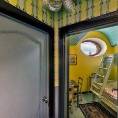 Гостиница Друзья у Дома Книги Номер Эконом с различными типами кроватей фото 2