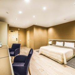 Гостиница Брайтон 4* Улучшенный номер с двуспальной кроватью фото 3
