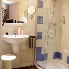 Отель Hôtel Le Richemont 3* Стандартный номер с двуспальной кроватью фото 15