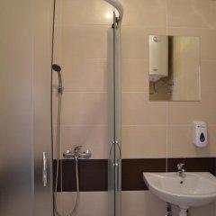 Отель Hostel Theater 011 Сербия, Белград - отзывы, цены и фото номеров - забронировать отель Hostel Theater 011 онлайн ванная