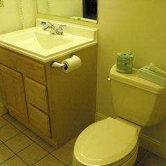 Отель Americas Best Value Inn Three Rivers 2* Люкс с различными типами кроватей