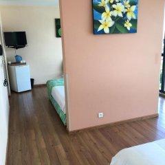 Отель Tahiti Airport Motel 2* Стандартный семейный номер с двуспальной кроватью фото 4