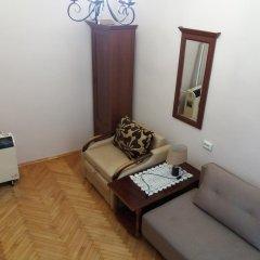 Гостиница Pylnykarska 6 комната для гостей