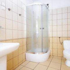 Отель Hostel Silesius Польша, Вроцлав - отзывы, цены и фото номеров - забронировать отель Hostel Silesius онлайн ванная