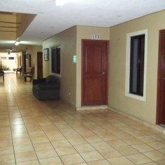 Отель Dolphin Hotel Гондурас, Тегусигальпа - отзывы, цены и фото номеров - забронировать отель Dolphin Hotel онлайн интерьер отеля фото 2