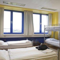 Отель Generator Berlin Prenzlauer Berg Номер с общей ванной комнатой с различными типами кроватей (общая ванная комната) фото 3