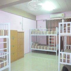 Отель Backpacker's Place Khopai Pattaya Кровать в общем номере с двухъярусной кроватью фото 3