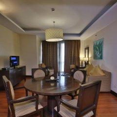Crown Regency Hotel and Towers Cebu 4* Студия Делюкс с различными типами кроватей фото 4