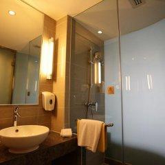 Отель Holiday Inn Express Shanghai New Hongqiao 3* Стандартный номер с различными типами кроватей фото 7