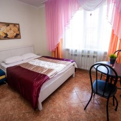 Гостиница Ласточкино гнездо Стандартный семейный номер с двуспальной кроватью фото 3