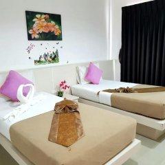 Phuthara Hostel Номер Делюкс с 2 отдельными кроватями фото 12