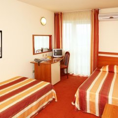 Отель Interhotel Cherno More 4* Номер категории Эконом с 2 отдельными кроватями фото 2