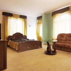 Мини-отель Калифорния Полулюкс с различными типами кроватей