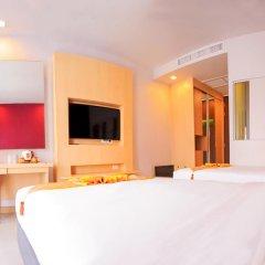 Отель Andatel Grandé Patong Phuket 4* Улучшенный номер с двуспальной кроватью фото 4