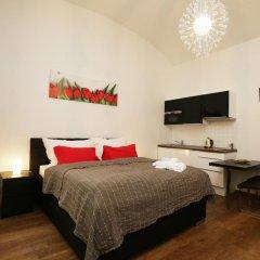 Апартаменты Greg Apartments Kampa Prague Прага комната для гостей фото 3