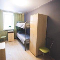 Гостиница Гостевой комплекс Нефтяник Стандартный номер с 2 отдельными кроватями (общая ванная комната) фото 7