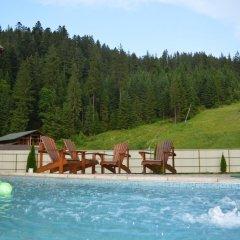 Hotel Khatky Ruslany бассейн
