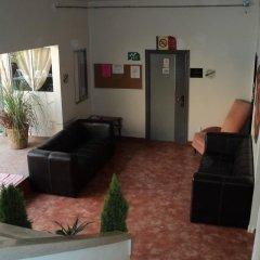 Отель Hostal Centro Historico Oasis 2* Кровать в общем номере фото 3