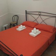Отель Monolocale Piazzetta D'Enghien Лечче комната для гостей фото 3