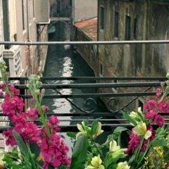 Отель Affittcamere Casa Pisani Canal Венеция балкон