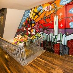 Отель Explore Hotel and Hostel США, Юнион Сити - 6 отзывов об отеле, цены и фото номеров - забронировать отель Explore Hotel and Hostel онлайн гостиничный бар