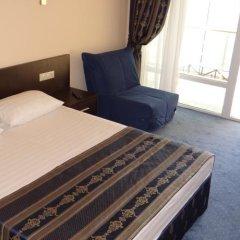Лазурь Бич Отель комната для гостей фото 2