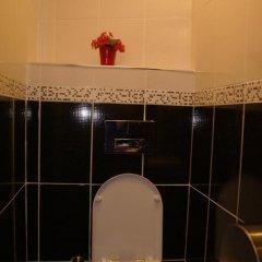 Metropolis Hostel & Guest House Стандартный номер двуспальная кровать (общая ванная комната) фото 8