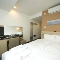 Отель Sotetsu Fresa Inn Tokyo-Kyobashi 3* Стандартный номер с различными типами кроватей