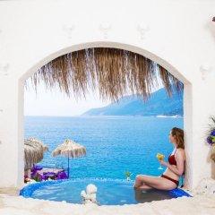 Lukka Exclusive Hotel Турция, Калкан - отзывы, цены и фото номеров - забронировать отель Lukka Exclusive Hotel - Adult Only онлайн бассейн фото 3