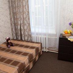 Marusya House Hostel Стандартный номер с двуспальной кроватью (общая ванная комната)
