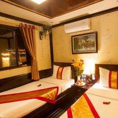 Отель Halong Bay Aloha Cruises 3* Улучшенный номер с различными типами кроватей фото 2